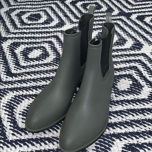Urban Outfitters Chelsea Ankle Rain Boots